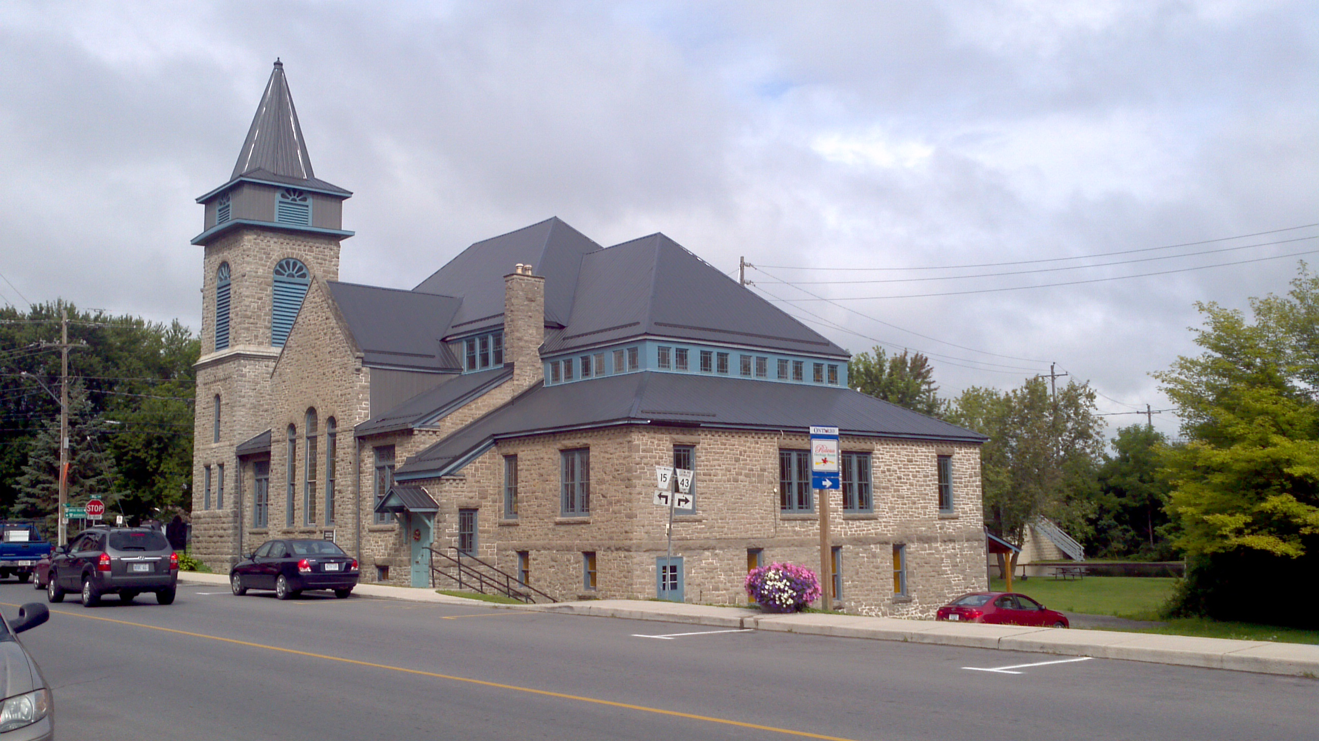 Merrickville United Church 100 St. Lawrence St. Merrickville,  Ontario, K0G 1N0